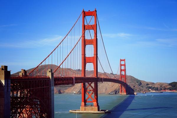 Pharmacy Schools in California. Californian famous bridge over the ocean